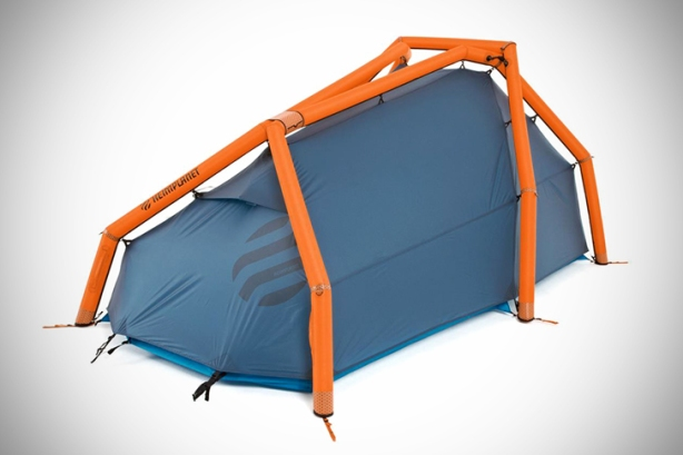 Heimplanet's New Inflatable gonflableTwo-Person Tent Pops Up in a Snap  - Sustainable Design Innovation, Eco Architecture, Green Building, ecologique, chanvre , popup, msh quechua 3