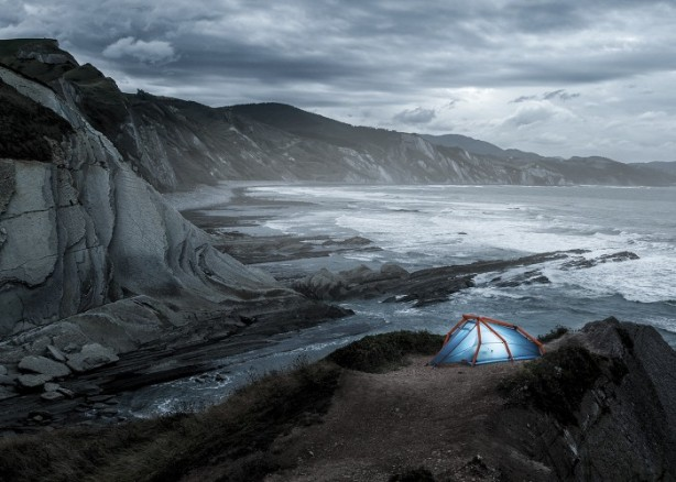 Heimplanet's New Inflatable gonflableTwo-Person Tent Pops Up in a Snap  - Sustainable Design Innovation, Eco Architecture, Green Building, ecologique, chanvre , popup, msh quechua light lumiere dehors